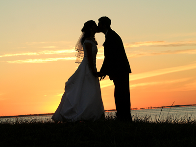 Bride & Groom - Sunset Kiss