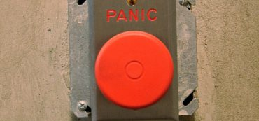 Advisors Focus On Panic Prevention In Volatile Market